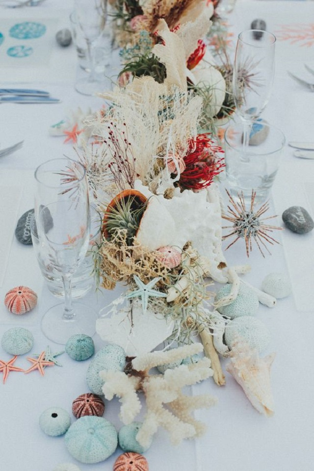 ideas-boda-verano-tropical-wedding-palmera-piña-fiestas-navy-nautical-marinero luces guirnalda velas chillout canotier pamela cinturon flores pendiente