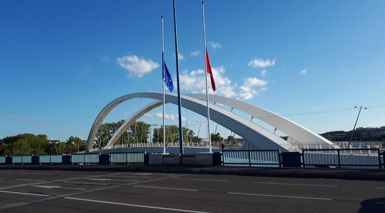 Pont Raymond Barre à Lyon - Mode de transport doux : Tram, vélo et piétons