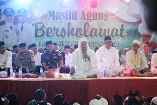 http://www.topfm951.net/2019/02/masjid-agung-bersholawat-clean-dari.html#more