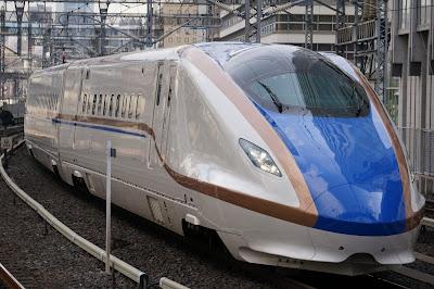 東京駅へ到着するE7系新幹線