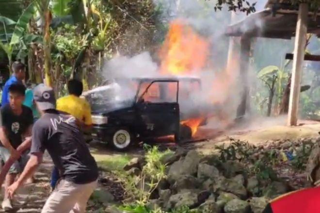 VIDEO: Mobil Pengangkut Solar di Ulaweng Bone Terbakar