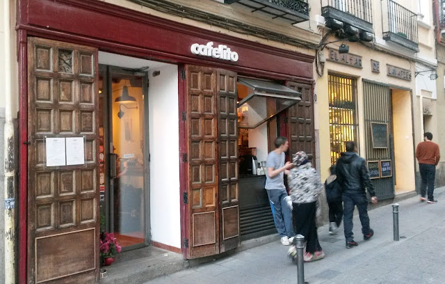 Fachada de Cafelito, Lavapies - Tusolovive Madrid
