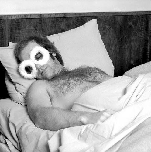 Elton John Sleepwear 1975 photo de Terry O'Neill