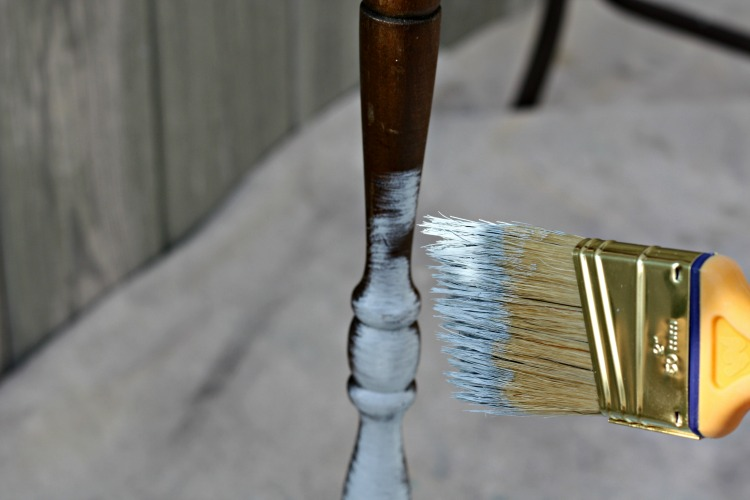 Quick method to paint spindles.
