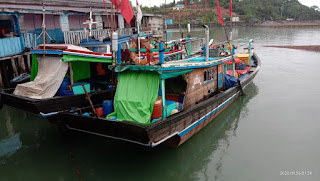 Dua Kapal Rawai Nelayan Asal Kupang Ditahan, Ini Penjelasan Warga Dan Anak Buah Kapal.
