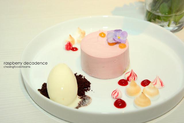 Luscious Zuchini Cake With Cinnamon Cream Cheese Frosting