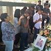 Pemakaman Ibunda Rio Febrian Penuh Haru