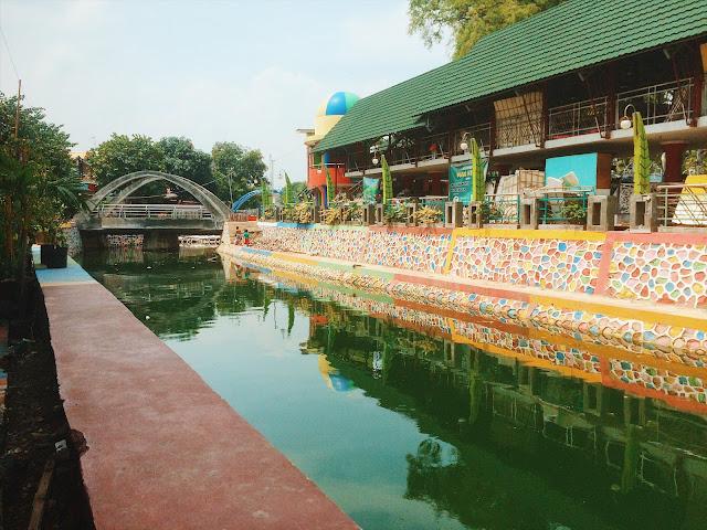 Kampung warna-warni Pelangi Semarang