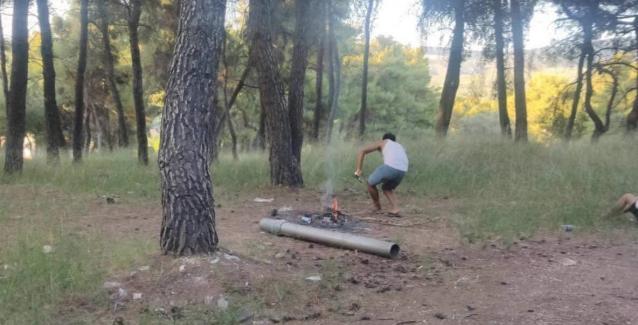 Μαλακάσα:Λαθρομετανάστες   αψηφούν τους κινδύνους και κάνουν μπάρμπεκιου στο δάσος..ΒΙΝΤΕΟ