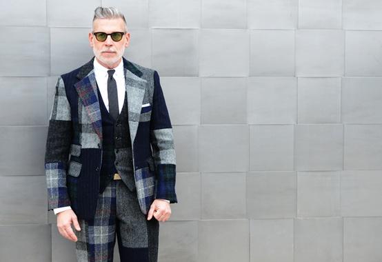 A moins que vous n ayez trouvé un costume avec une veste courte (ça existe  !), évitez de porter la veste avec un jeans. 6b142dd2e0d