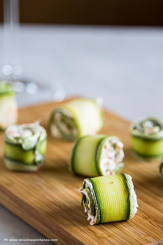 Involtini di zucchine con ripieno di robiola pomodori secchi e capperi