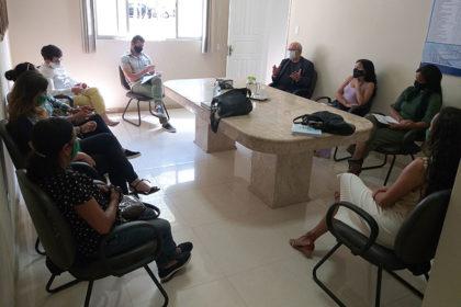 O secretário municipal da Educação, Edgard Larry Andrade Soares, e a diretoria do Sindicato do Magistério Municipal Público de Vitória da Conquista (SIMMP) tiveram o primeiro encontro desde a posse