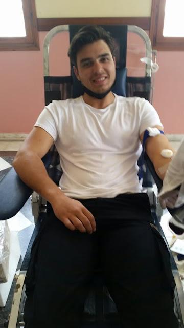 """Εθελοντών Αιμοδοτών Ανθούσας Πάργας """"Βασίλειος Χατζής"""" ολοκληρώνοντας το Σάββατο του Λαζάρου τις 2 τακτικές και τις 2 έκτακτες αιμοδοσίες του. Πιο συγκεκριμένα στην τελευταία αιμοδοσία προσήλθαν 32 άτομα και έδωσαν αίμα τα 25, ενώ συνολικά στις εαρινές αιμοδοσίες, και παρά τη δύσκολη υγειονομικά συγκυρία, προσήλθαν 155 άτομα και συγκεντρώθηκαν για το νοσοκομείο της Πρέβεζας 135 φιάλες αίμα. Ο Πρόεδρος του Συλλόγου Περικλής Λιάκρης ευχαριστεί θερμά τα μέλη του αλλά και τους γιατρούς και το νοσηλευτικό προσωπικό του Τμήματος Αιμοδοσίας Πρέβεζας και τους εύχεται χρόνια πολλά και καλή Ανάσταση."""