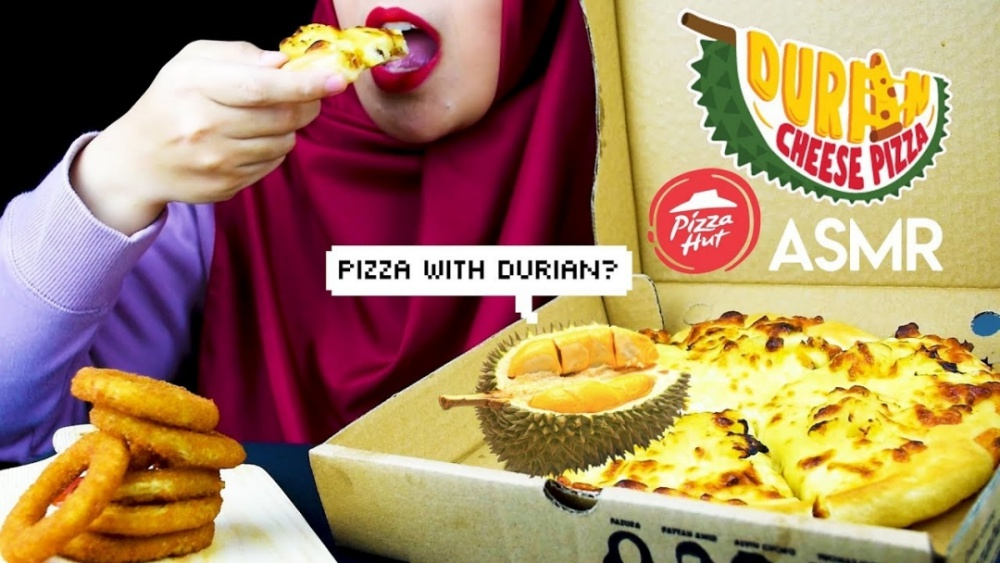 Pizza Hut, Pizza Hut Delivery, Pizza with Durian, Rawlins Eats, Rawlins GLAM, Durian and Cheese, Durian Cheese Pizza