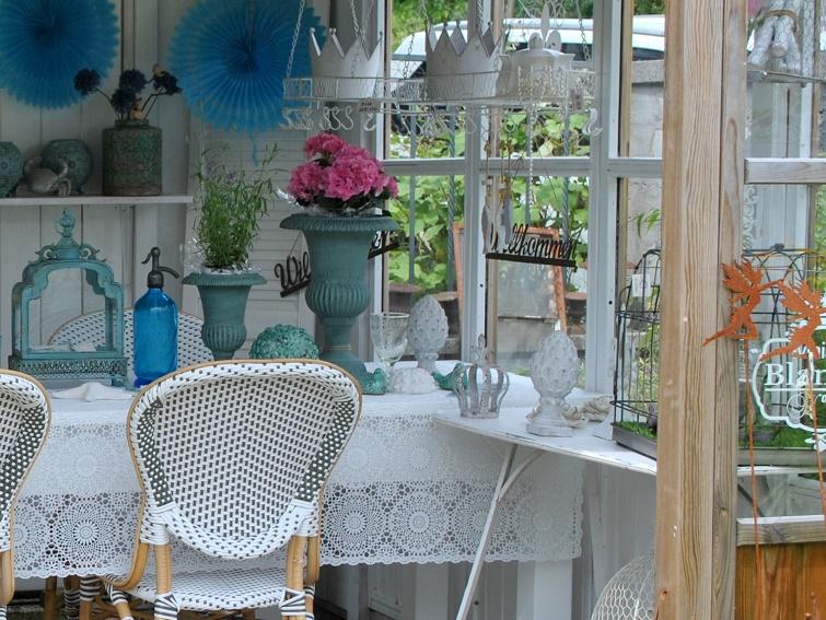 Gemütlich sitzen im Garten - Pavillon