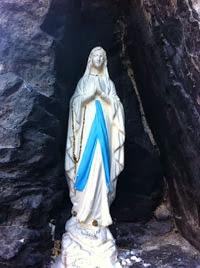 Estátua da Virgem Maria