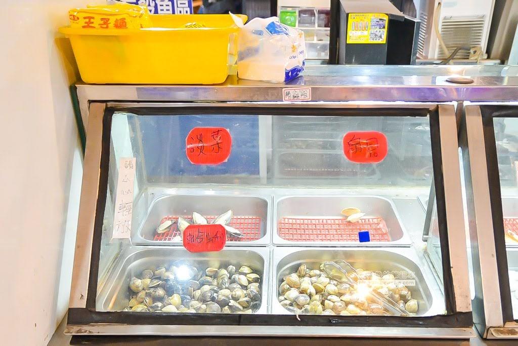 五股海寶城,海鮮燒烤炭烤,水道活海鮮,泰國蝦自己撈,五股烤魚