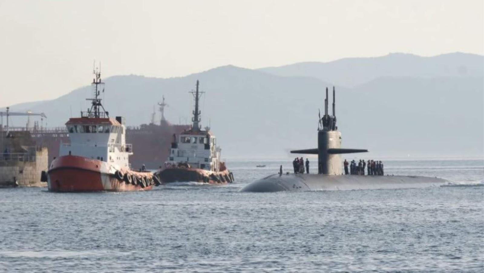 AS meluncurkan dua kapal selam nuklir Vermont dan Delaware kelas Virginia