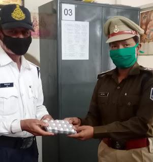 जिला पुलिस लाईन मे निःशुल्क दवाईयां वितरित कि गई
