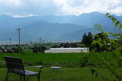 カフェ 風のいろ 田園風景と北アルプス