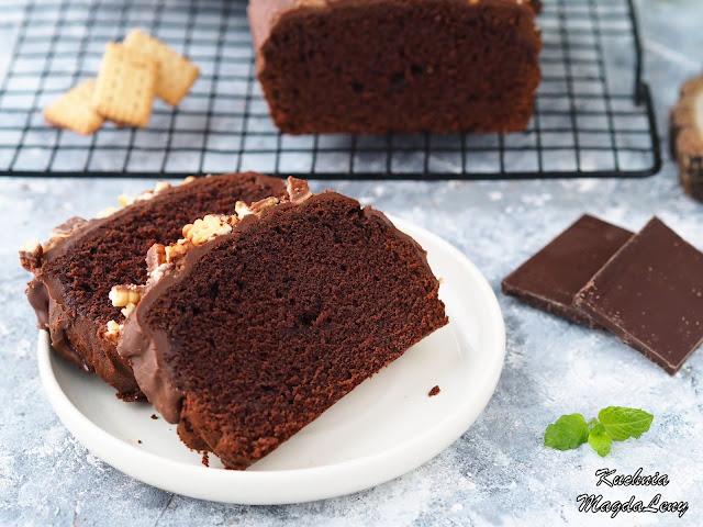 Budyniowe ciasto czekoladowe na białkach