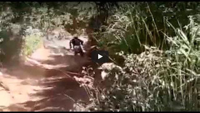 https://www.ahnegao.com.br/2018/12/afastem-se-ai-vem-o-gordinho-do-motocross.html
