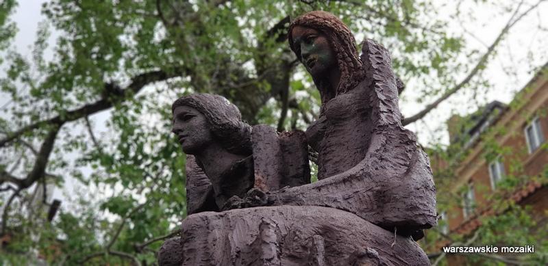 warszawa warsaw pomnik rzeźba Janina Mirecka lata 50 stare miasto brzozowa