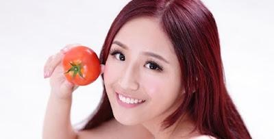 Cara Mudah Atasi Ketombe Yang Membandel Dengan Tomat