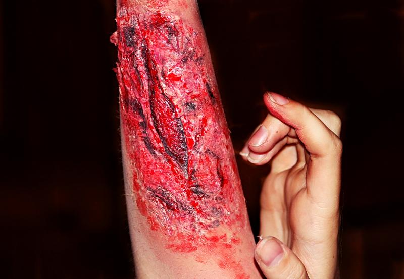 Halloween -  gruseliges Narben Tutorial in 5 Minuten