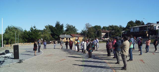 Autoridades y habitantes de Puyehue
