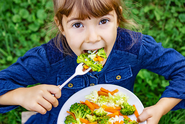 6 tips to encourage kids to love vegetables early on