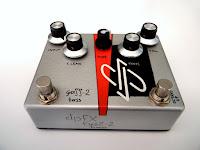 dpFX FuzZ-2 Bass w/ clean blend, octave-up & mids filterss