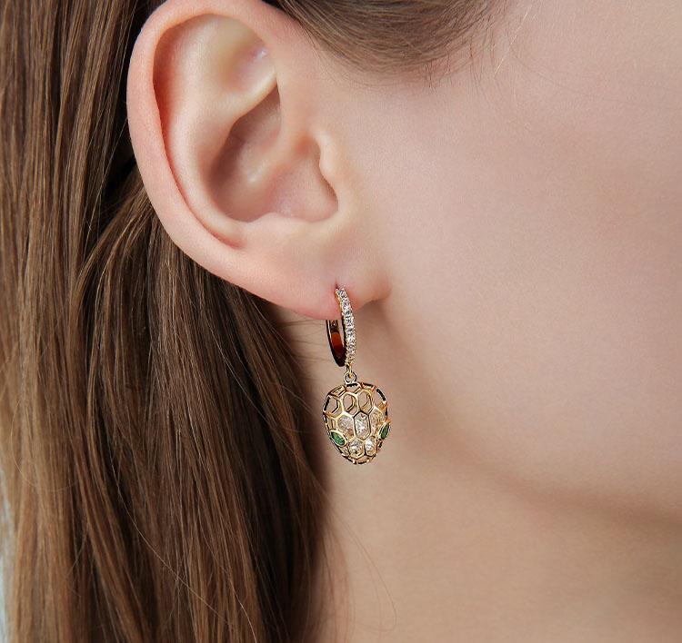 甜美鏤空莓果鋯石耳環