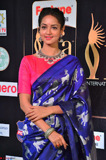 Shanvi Looks Super Cute in Pink Backless Choli Blue Saree at IIFA Utsavam Awards 2017 30.JPG