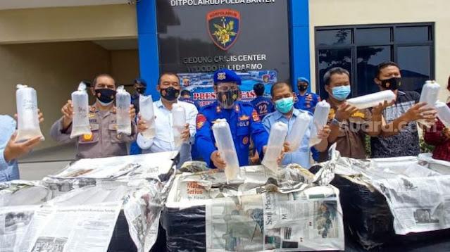 Polri dan KKP Gagalkan Penyelendupan 100 Ribu Benih Lobster ke Singapura