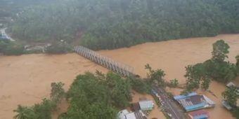 Jembatan Penghubung Antar Provinsi di Konut Roboh Diterjang Banjir