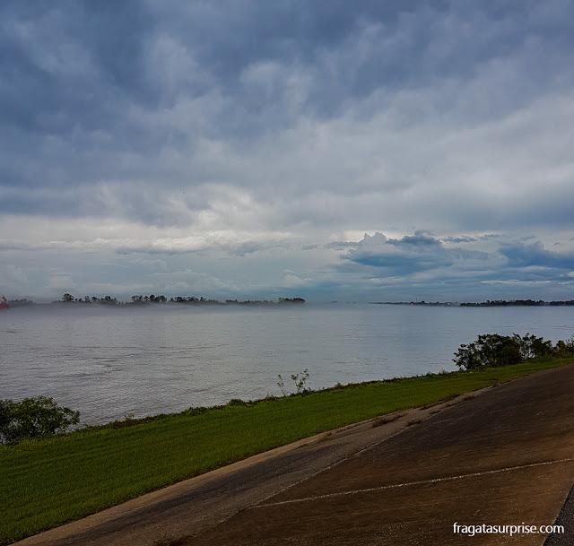 O Rio Mississípi na Luisiana, EUA