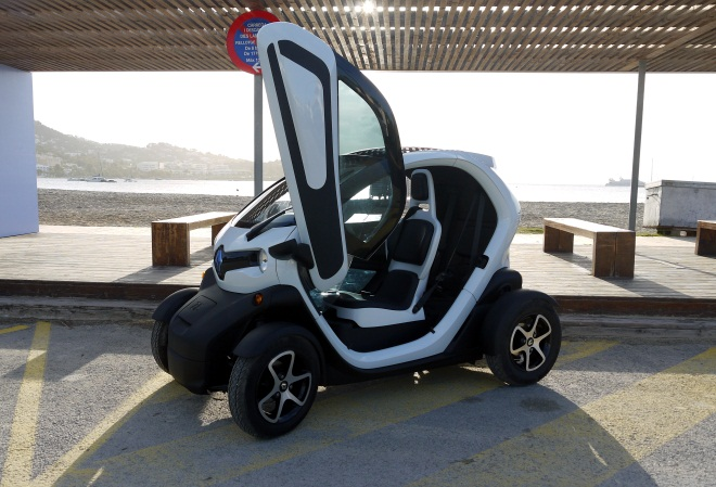 Renault Twizy Technic with door open