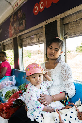 Circular train - portrait - Yangon - Birmanie - Myanmar