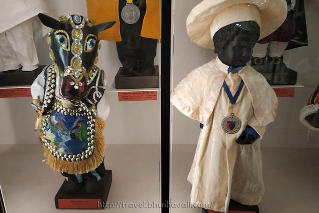 Unusual Museums Brussels - Garderobe Manneken Pis