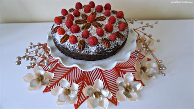 Pastel de Chocolate con Harina de Almendras y Frambuesas