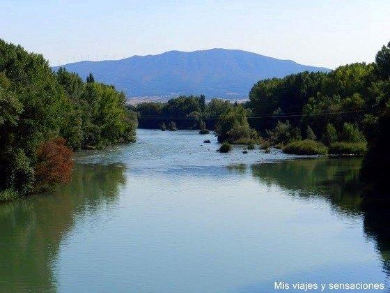 Río Aragon a su paso por Sangüesa
