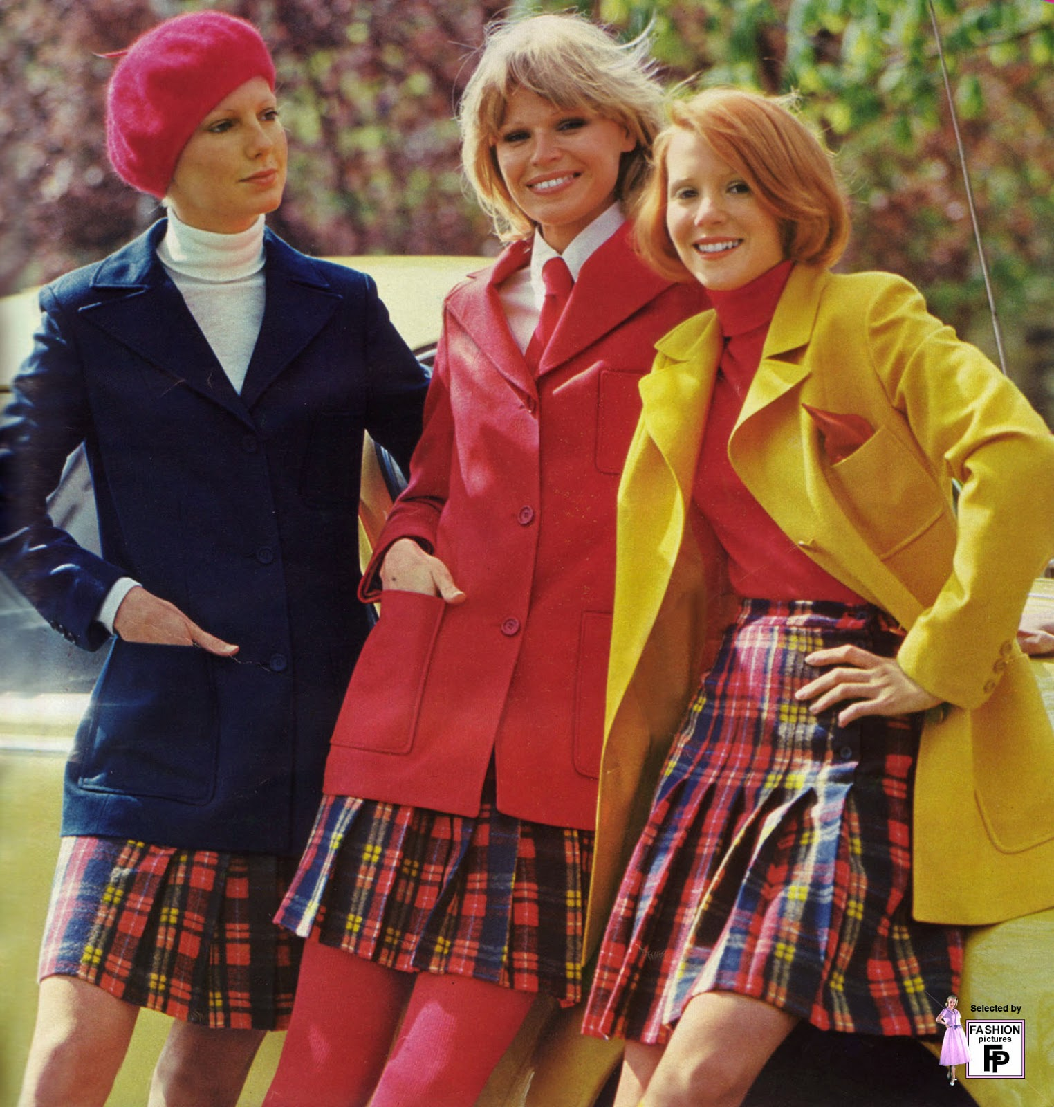 Colorful Women's Street Fashions in the Early 1970s ...1970s Womens Fashion Trends