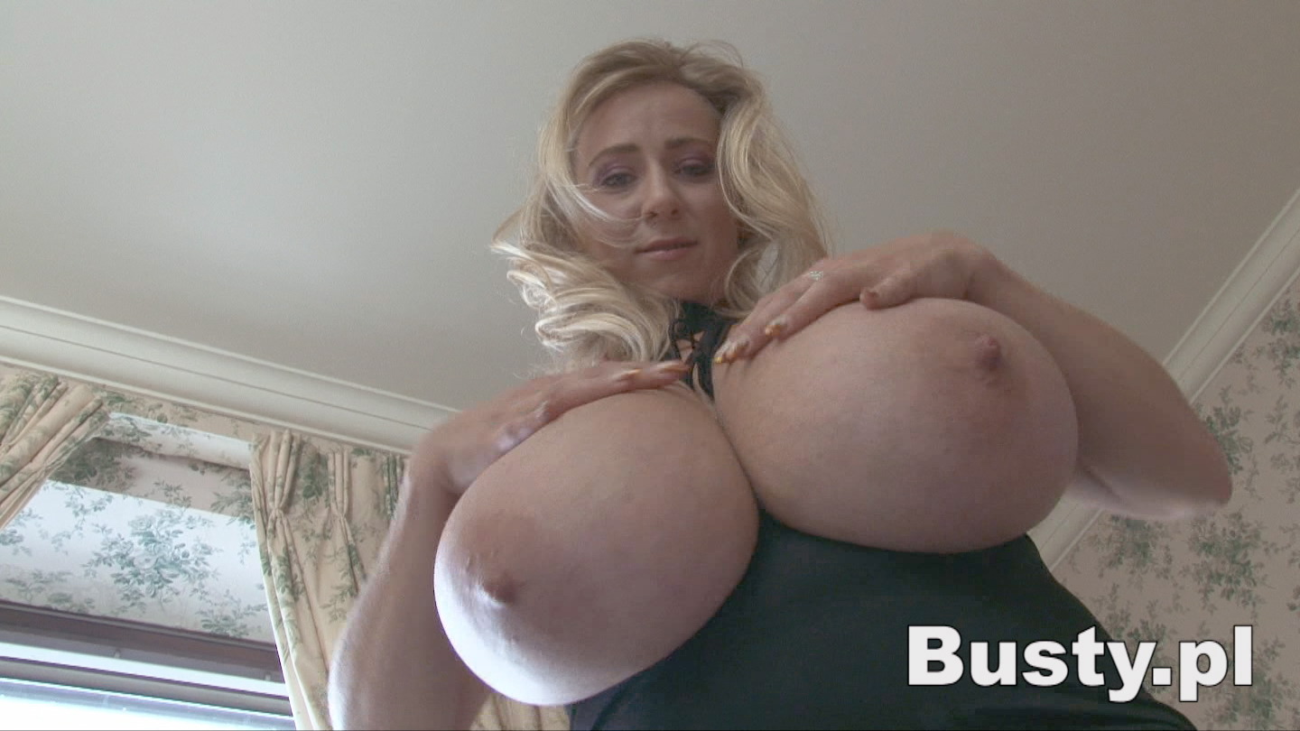 Pictures Of Nelly Roono Pussy 76