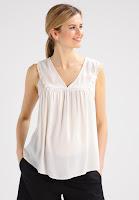 https://www.zalando.be/mintandberry-mom-t-shirt-print-antique-white-ex529ha0c-a11.html