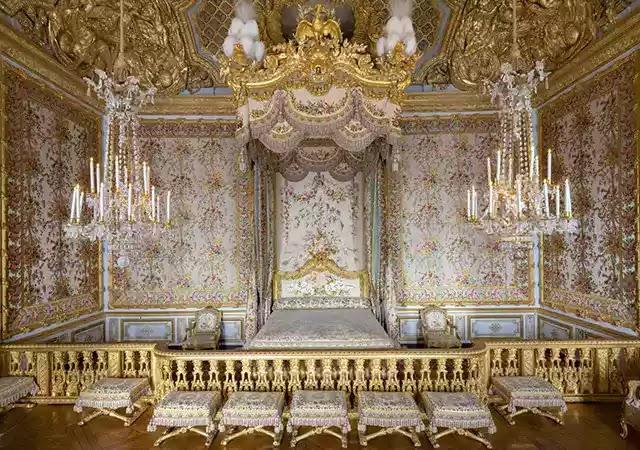Kraliçe Marie Leszczyńska'nın Versay Sarayı'ndaki yatak odası.