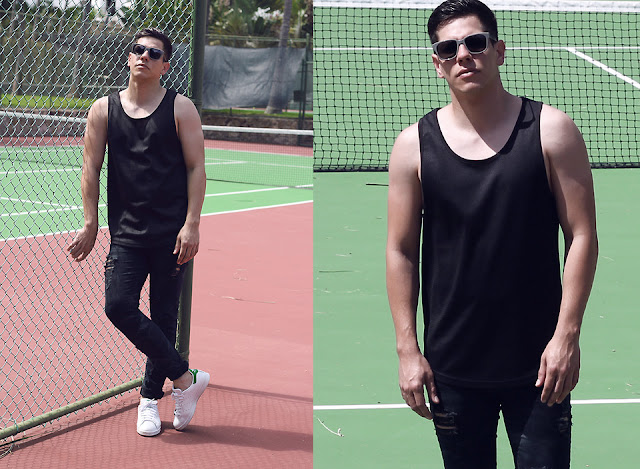 look masculino visual monocromático com tênis All White Adidas Stan Smith, All Black