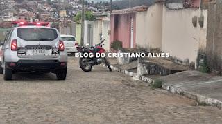 Mulher é assaltada na porta de casa em Alagoinha
