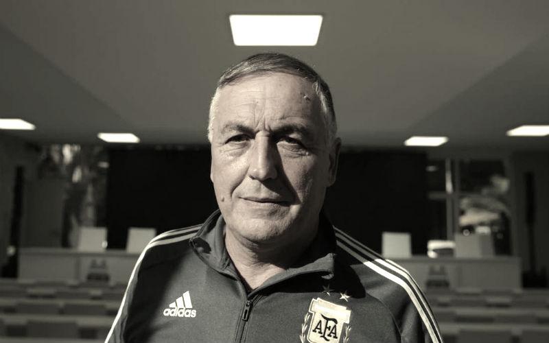 Carlos Borrello, entrenador de la seleccion argentina de futbol femenino