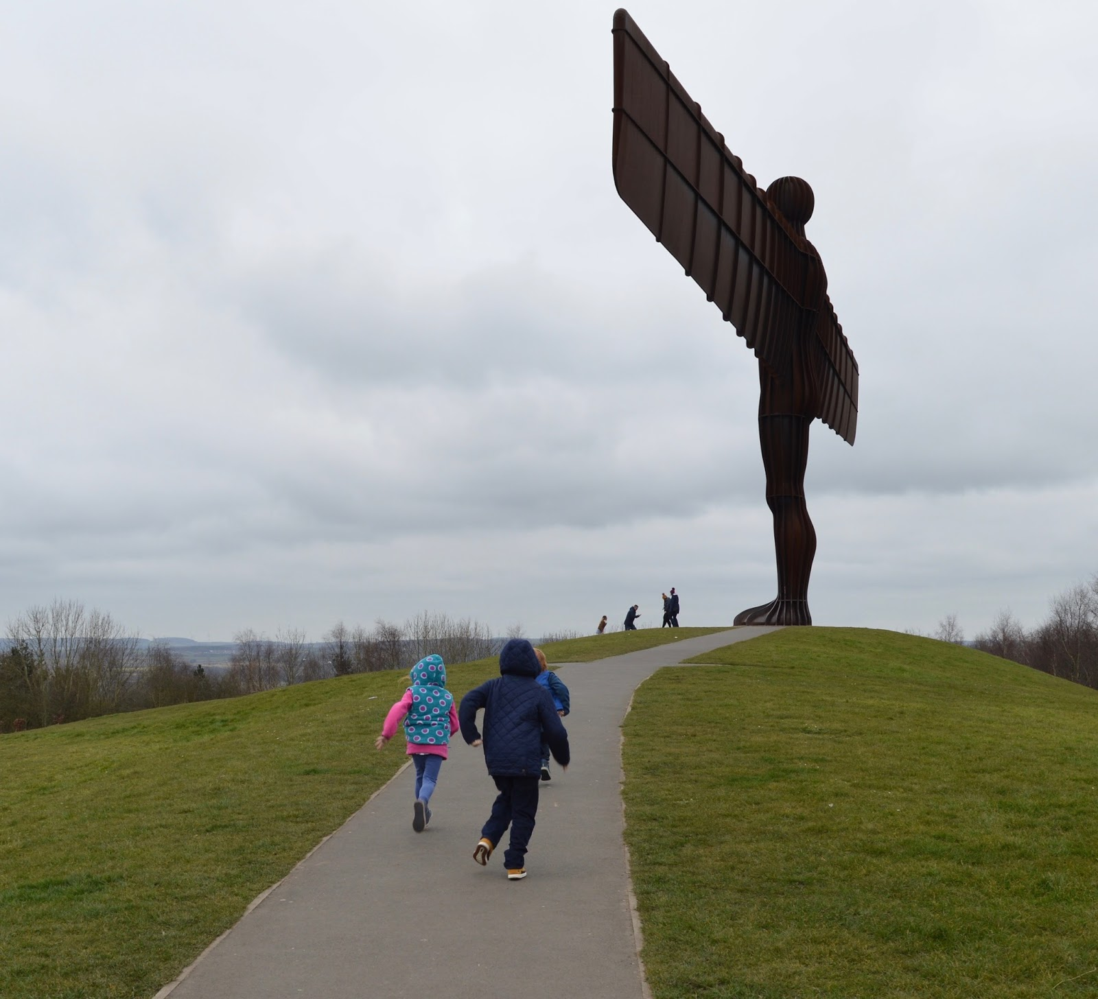 Visit the Angel of the North via bus with Go North East